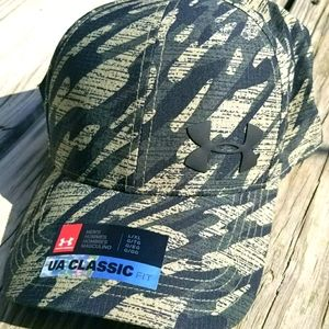 💥6 HOUR SALE 💥NWT Mens Fitted  Under Armour Hat